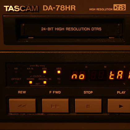 http://recording.studio11chicago.com/wp-content/uploads/2014/02/TASCAM-DA78-ON.jpg