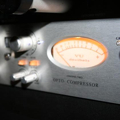 AVALON 2044 OPTO COMPRESSOR LIMITER