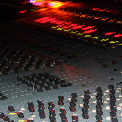 https://recording.studio11chicago.com/wp-content/uploads/2014/02/STUDIO-11-CONSOLE-8-1024x320.jpg